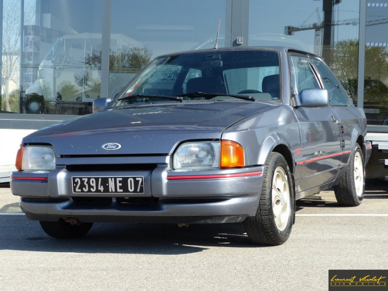 Ford Escort XR3i 1.6 105 ch mk4 2ème main Essence gris Occasion à vendre