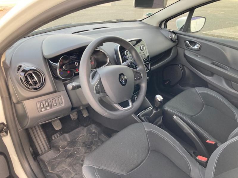 Photo 4 de l'offre de RENAULT Clio Trend 1.2 75 cv à 9500€ chez Lezeau automobiles