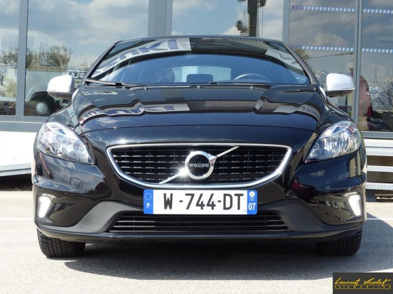 Photo 2 de l'offre de VOLVO V40 120 R-Design Facelift 1ère main à 17990€ chez Automobiles Laurent Violet
