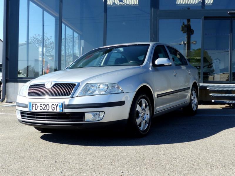Photo 1 de l'offre de SKODA Octavia II 1.9 Tdi 105 Ambiente à 3990€ chez Automobiles Laurent Violet