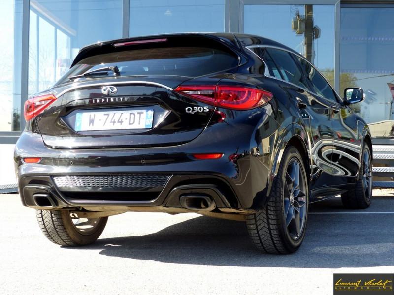 Photo 5 de l'offre de INFINITI Q30 S 1.5d 109 Sport 1ère main à 17990€ chez Automobiles Laurent Violet