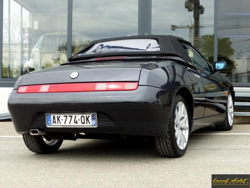 Photo 4 de l'offre de ALFA ROMEO Spider 2.0i 16V Twin Spark L type 916 à 6990€ chez Automobiles Laurent Violet