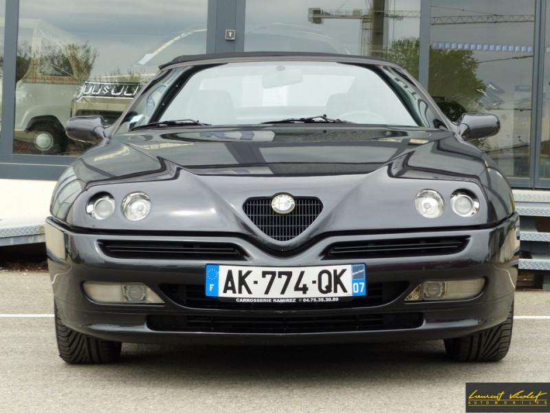 Photo 2 de l'offre de ALFA ROMEO Spider 2.0i 16V Twin Spark L type 916 à 6990€ chez Automobiles Laurent Violet