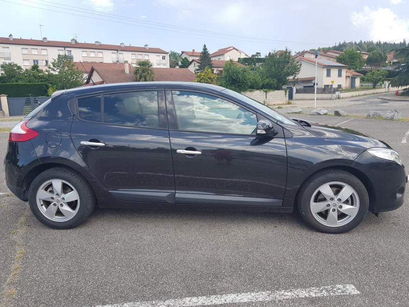 Photo 2 de l'offre de RENAULT Megane 3 1.5L DCI 110cv Dynamique 5P Clim Auto Bluetooth Radar AV/AR Radio CD MP3 à 7990€ chez L'Automobile - Jérôme BATHIARD