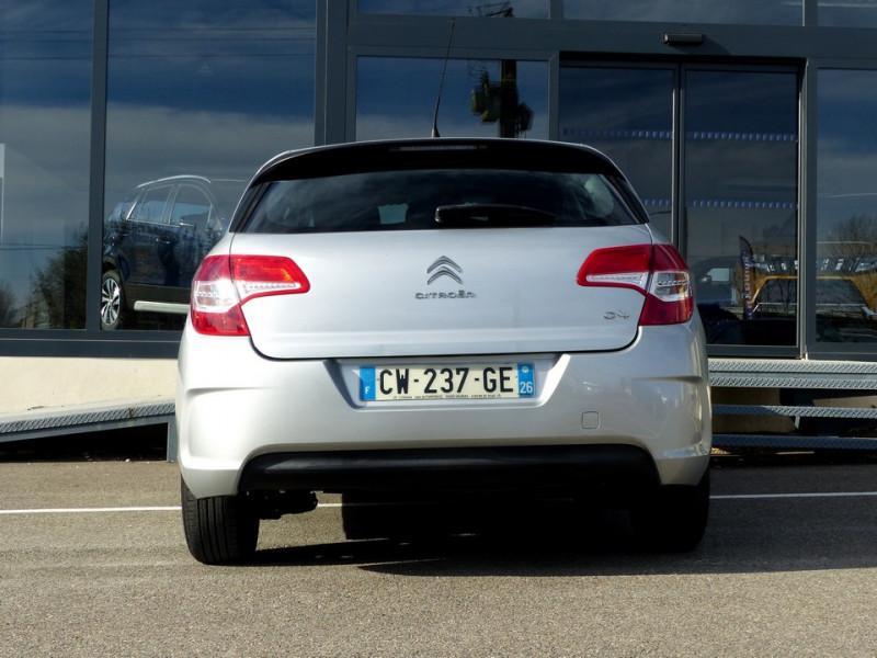Photo 6 de l'offre de CITROEN C4 II 1.6 Hdi 90 Attraction à 8490€ chez Automobiles Laurent Violet