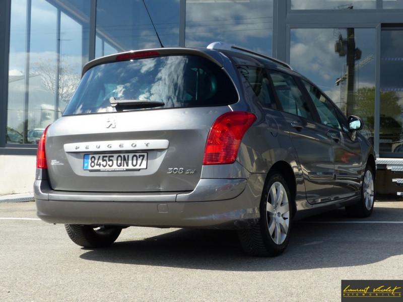 Photo 5 de l'offre de PEUGEOT 308 SW 1.6 HDi 110ch Féline 7 Pl 1 ère main à 4990€ chez Automobiles Laurent Violet