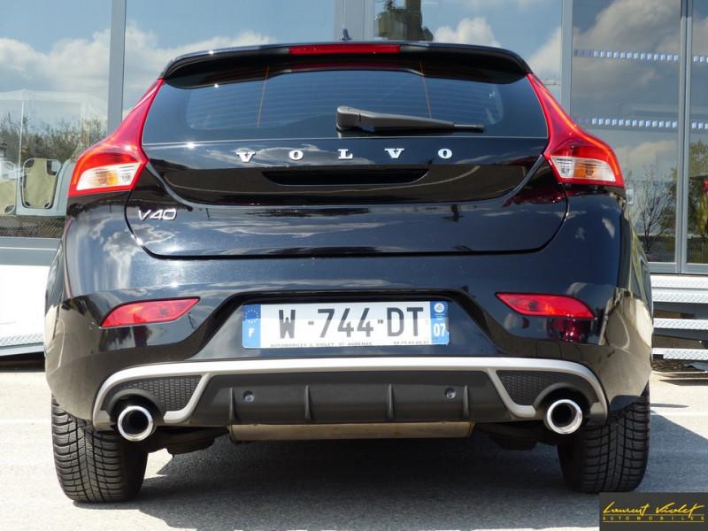 Photo 6 de l'offre de VOLVO V40 120 R-Design Facelift 1ère main à 17990€ chez Automobiles Laurent Violet