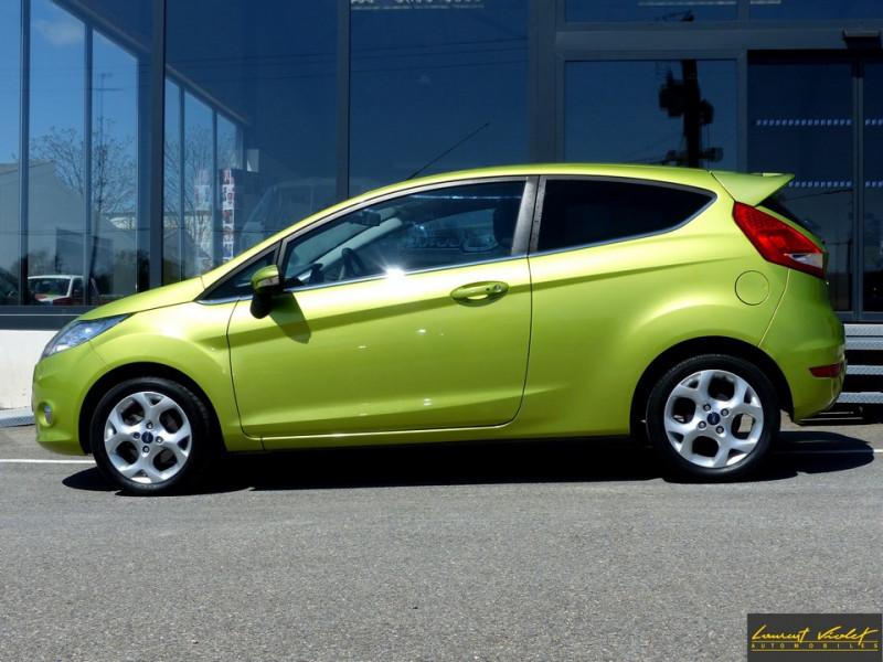 Photo 2 de l'offre de FORD Fiesta VI 1.4 TDCi 70 Titanium à 6490€ chez Automobiles Laurent Violet
