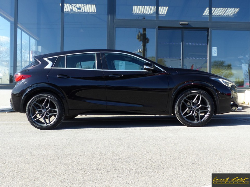 Photo 4 de l'offre de INFINITI Q30 S 1.5d 109 Sport 1ère main à 17990€ chez Automobiles Laurent Violet