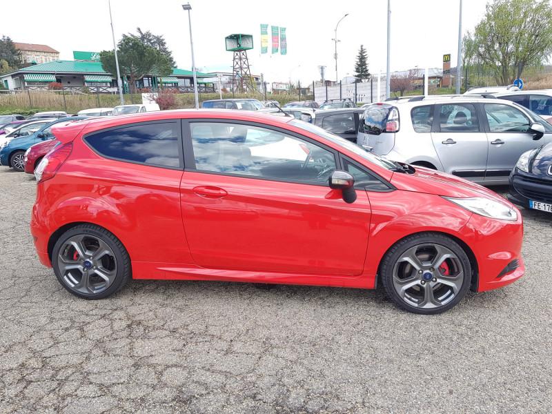 Photo 5 de l'offre de FORD Fiesta VI ST 1.6L 182cv Chassis Sport Sièges Recaro 3 Portes Clim Bluetooth J. Alu Radar AR à 13990€ chez L'Automobile - Jérôme BATHIARD