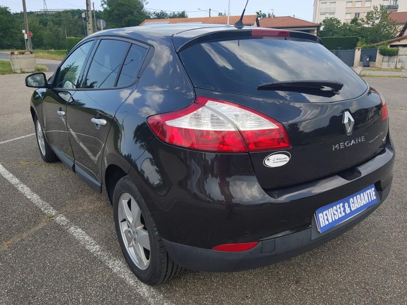 Photo 6 de l'offre de RENAULT Megane 3 1.5L DCI 110cv Dynamique 5P Clim Auto Bluetooth Radar AV/AR Radio CD MP3 à 7990€ chez L'Automobile - Jérôme BATHIARD