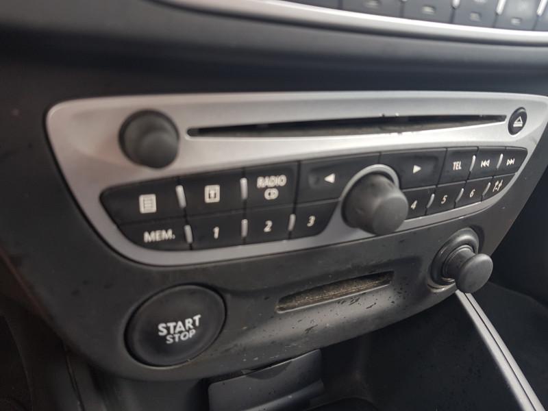 Photo 7 de l'offre de RENAULT Megane 3 1.5L DCI 110cv Dynamique 5P Clim Auto Bluetooth Radar AV/AR Radio CD MP3 à 7990€ chez L'Automobile - Jérôme BATHIARD