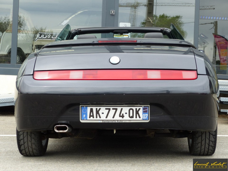Photo 6 de l'offre de ALFA ROMEO Spider 2.0i 16V Twin Spark L type 916 à 6990€ chez Automobiles Laurent Violet