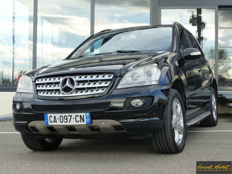 Photo 1 de l'offre de MERCEDES-BENZ Classe ML 320 CDI 224 Pack Sport à 9890€ chez Automobiles Laurent Violet