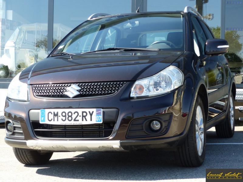 Photo 1 de l'offre de SUZUKI SX4 2.0 DDiS 135 Série Spéciale Xplore 4x4 à 9890€ chez Automobiles Laurent Violet