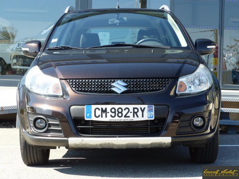Photo 2 de l'offre de SUZUKI SX4 2.0 DDiS 135 Série Spéciale Xplore 4x4 à 9890€ chez Automobiles Laurent Violet