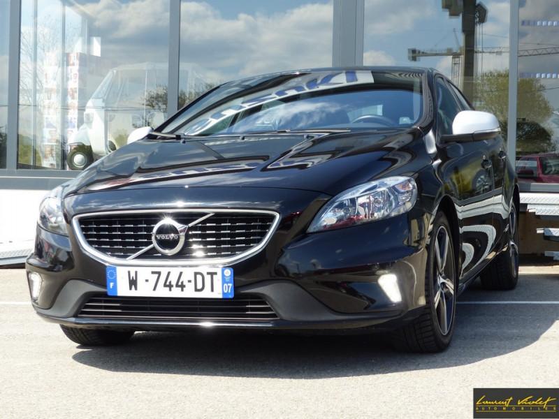 Photo 1 de l'offre de VOLVO V40 120 R-Design Facelift 1ère main à 17990€ chez Automobiles Laurent Violet