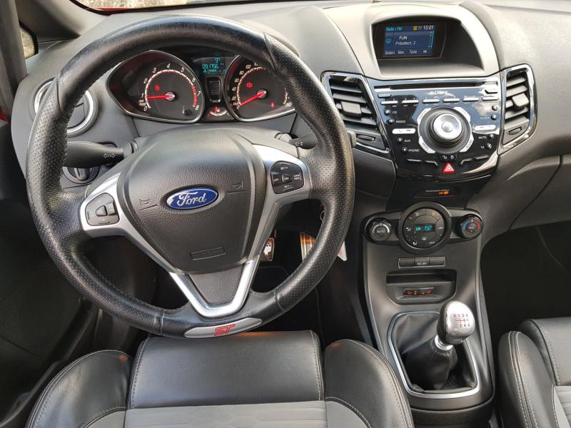 Photo 12 de l'offre de FORD Fiesta VI ST 1.6L 182cv Chassis Sport Sièges Recaro 3 Portes Clim Bluetooth J. Alu Radar AR à 13990€ chez L'Automobile - Jérôme BATHIARD