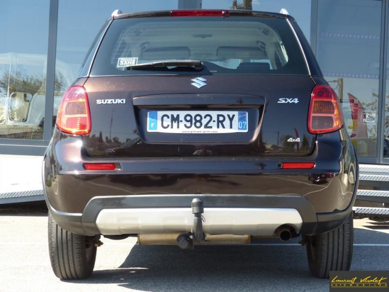 Photo 6 de l'offre de SUZUKI SX4 2.0 DDiS 135 Série Spéciale Xplore 4x4 à 9890€ chez Automobiles Laurent Violet