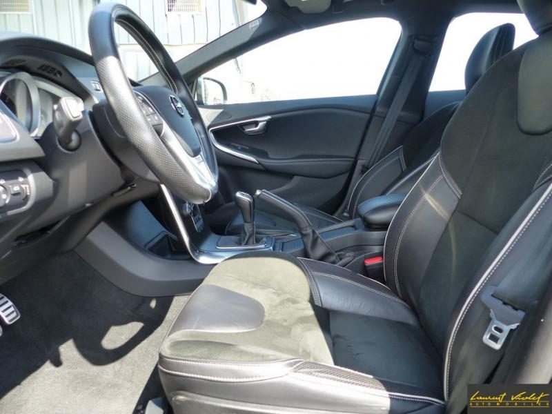 Photo 9 de l'offre de VOLVO V40 120 R-Design Facelift 1ère main à 17990€ chez Automobiles Laurent Violet