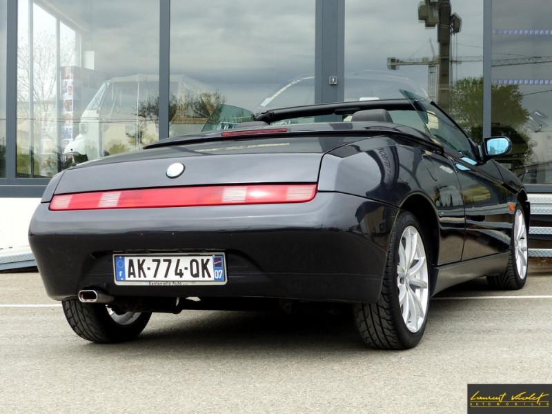 Photo 5 de l'offre de ALFA ROMEO Spider 2.0i 16V Twin Spark L type 916 à 6990€ chez Automobiles Laurent Violet