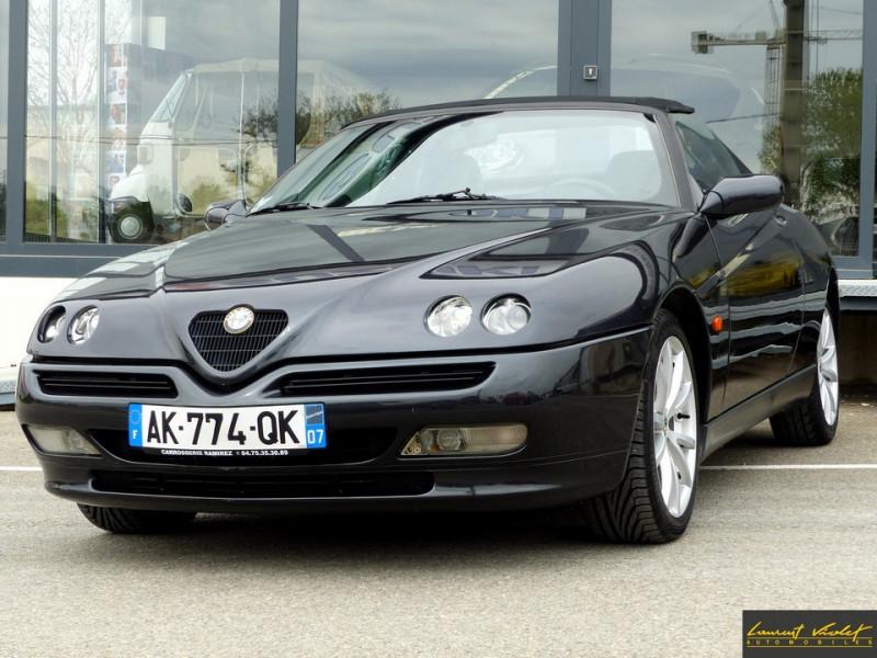 Alfa Romeo Spider 2.0i 16V Twin Spark L type 916 Essence noir Occasion à vendre