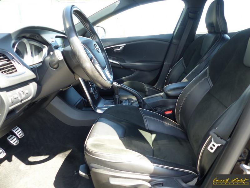 Photo 9 de l'offre de VOLVO V40 D2 120 R-Design Facelift 1ère main à 17990€ chez Automobiles Laurent Violet