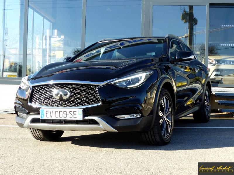 Photo 1 de l'offre de INFINITI QX30 2.2d AWD 7DCT Premium Tech 1ère main -53% à 21990€ chez Automobiles Laurent Violet