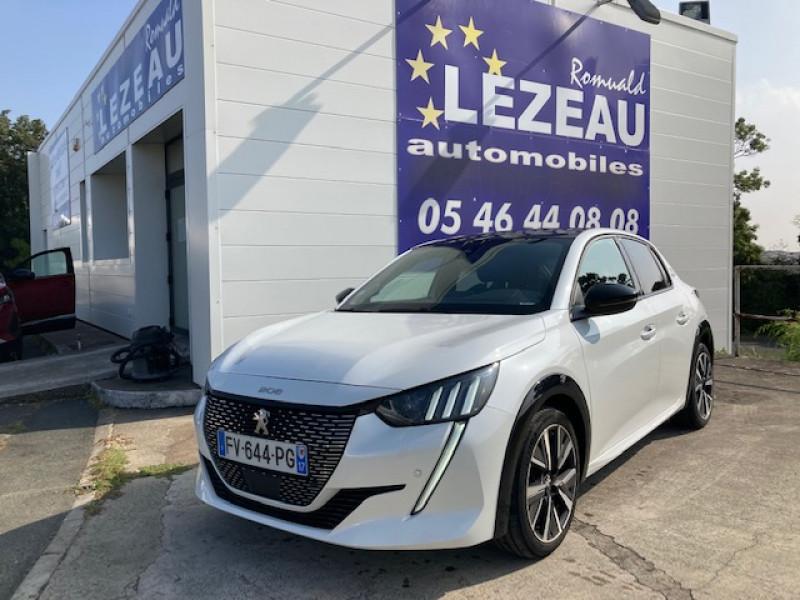 Photo 1 de l'offre de PEUGEOT 208 GT LINE HDI 100 CV à 20500€ chez Lezeau automobiles