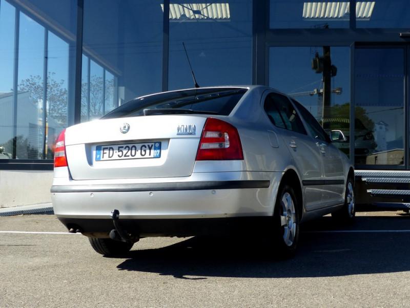Photo 5 de l'offre de SKODA Octavia II 1.9 Tdi 105 Ambiente à 3990€ chez Automobiles Laurent Violet