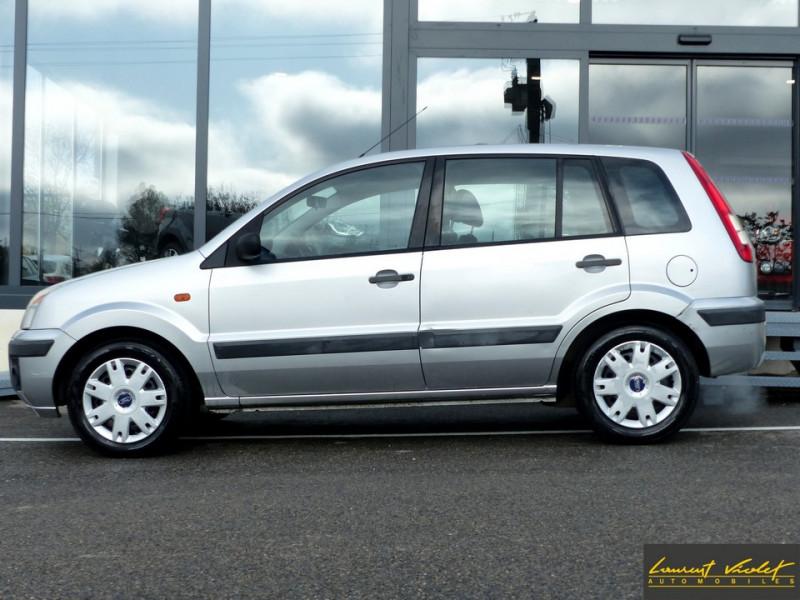 Photo 3 de l'offre de FORD Fusion 1.4 TDCi 68 Trend à 3890€ chez Automobiles Laurent Violet