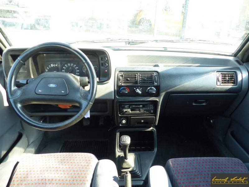 Photo 5 de l'offre de FORD Escort XR3i 1.6 105 ch mk4 2ème main à 2990€ chez Automobiles Laurent Violet
