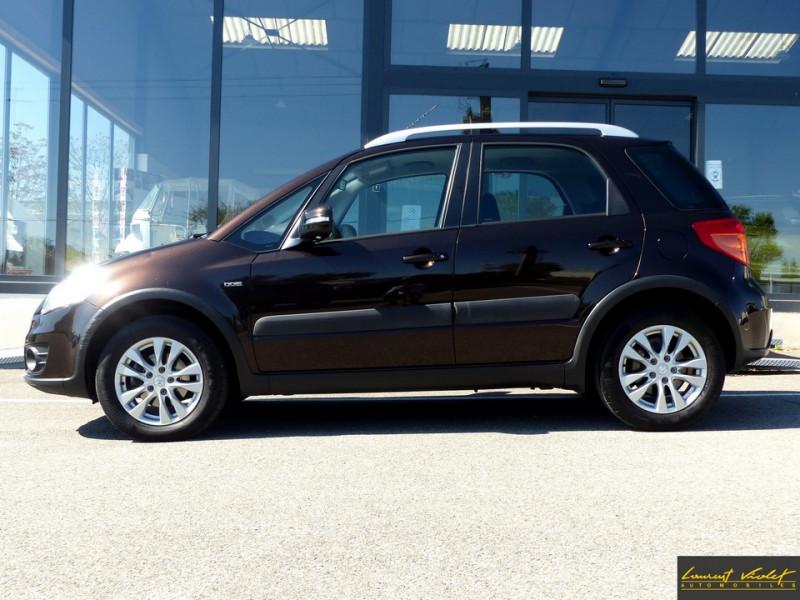 Photo 3 de l'offre de SUZUKI SX4 2.0 DDiS 135 Série Spéciale Xplore 4x4 à 9890€ chez Automobiles Laurent Violet