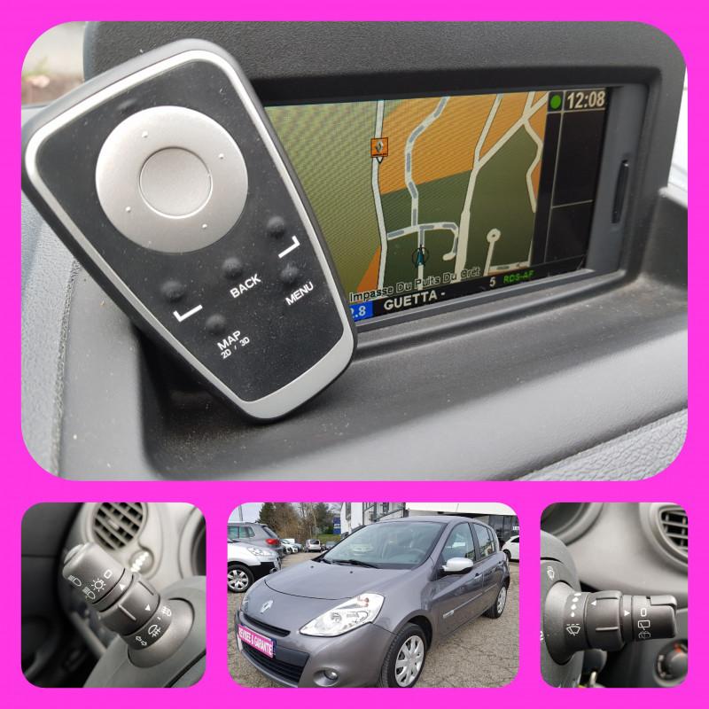Photo 2 de l'offre de RENAULT Clio III 1.2L 16V 75 cv 67000km 5 Portes GPS Climatisation Vitres Electriques Radio CD MP3 à 7490€ chez L'Automobile - Jérôme BATHIARD