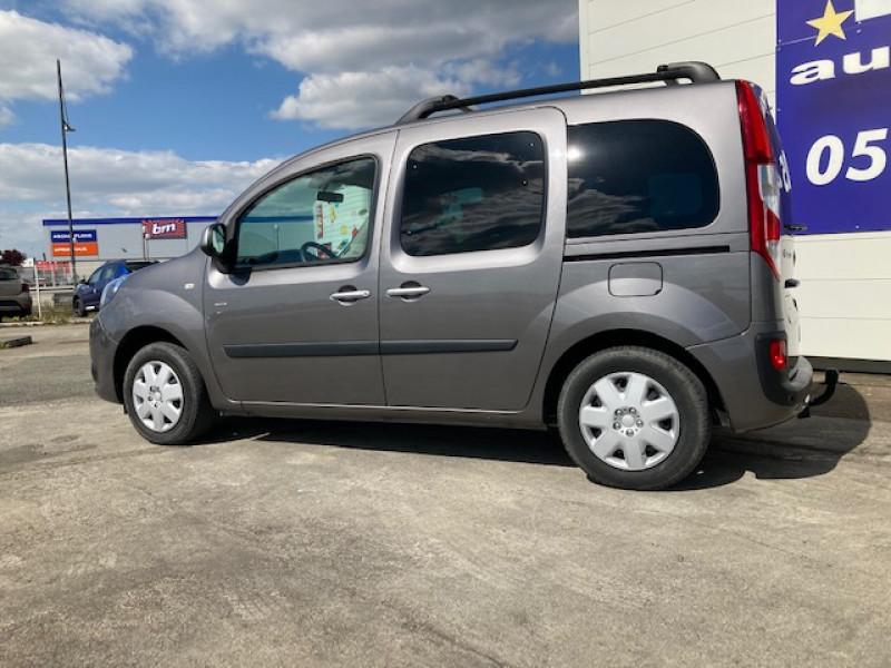 Photo 2 de l'offre de RENAULT Kangoo Limited dci 90 cv à 12990€ chez Lezeau automobiles