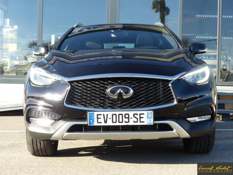 Photo 2 de l'offre de INFINITI QX30 2.2d AWD 7DCT Premium Tech 1ère main -53% à 21990€ chez Automobiles Laurent Violet