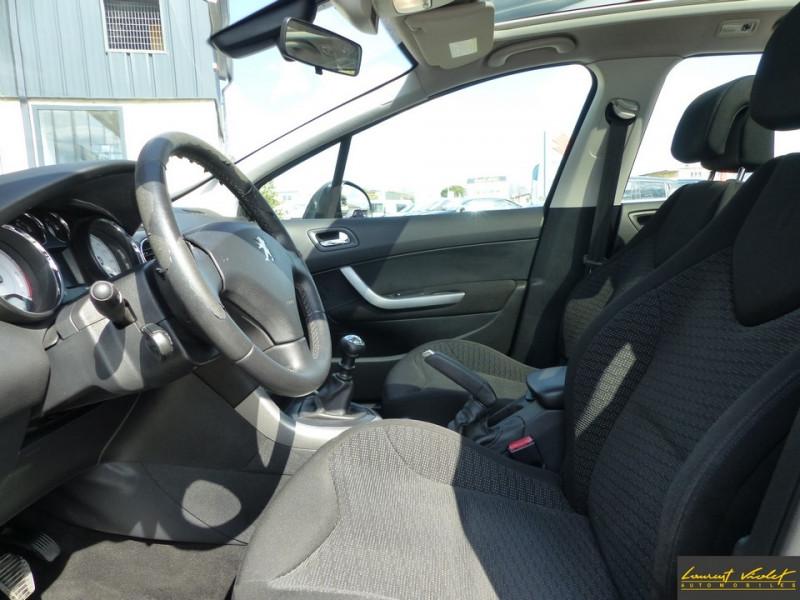 Photo 7 de l'offre de PEUGEOT 308 SW 1.6 HDi 110ch Féline 7 Pl 1 ère main à 4990€ chez Automobiles Laurent Violet
