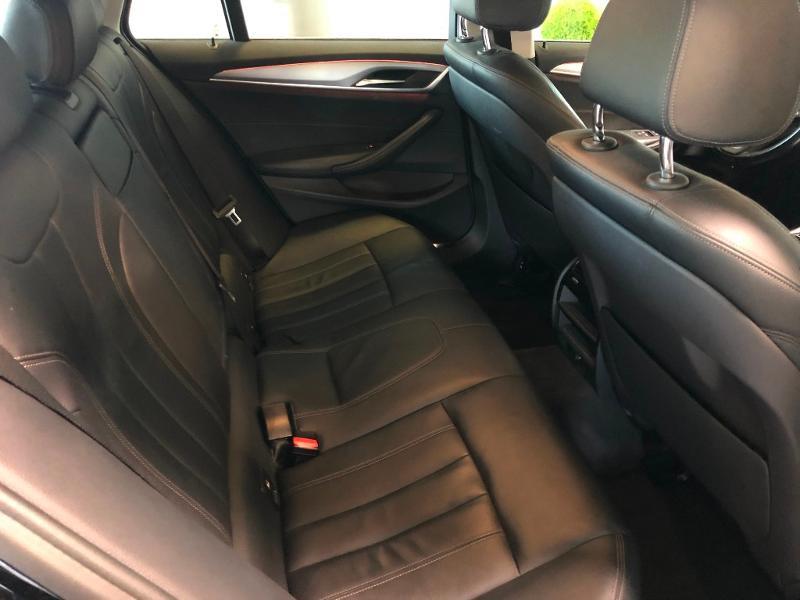 Photo 9 de l'offre de BMW Serie 5 Touring 520dA 190ch Business Steptronic à 23900€ chez Dugast automobiles