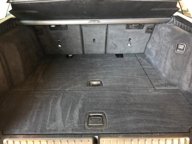 Photo 12 de l'offre de BMW Serie 5 Touring 520dA 190ch Business Steptronic à 23900€ chez Dugast automobiles