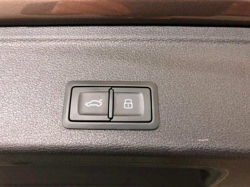 Photo 11 de l'offre de AUDI A4 Avant 2.0 TFSI 190ch ultra Design S tronic 7 à 27900€ chez Dugast automobiles