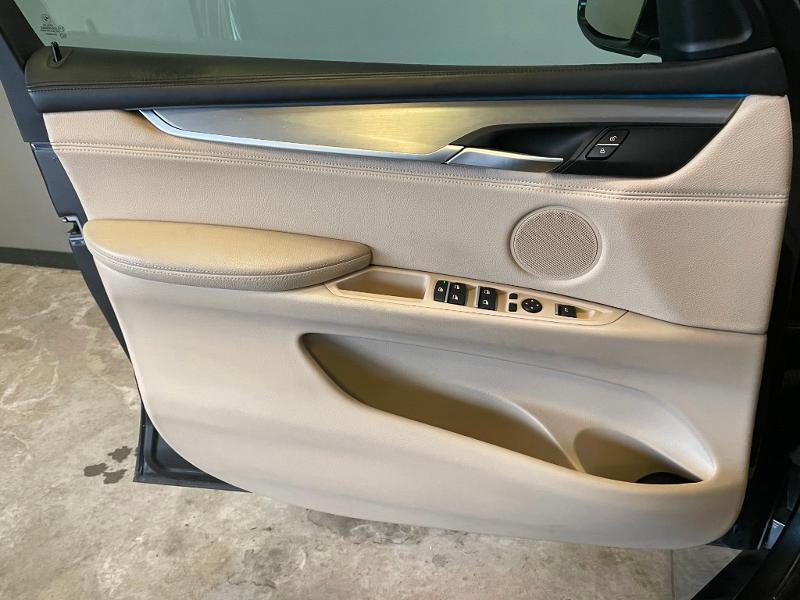 Photo 19 de l'offre de BMW X5 xDrive40dA 313ch xLine à 27900€ chez Dugast automobiles