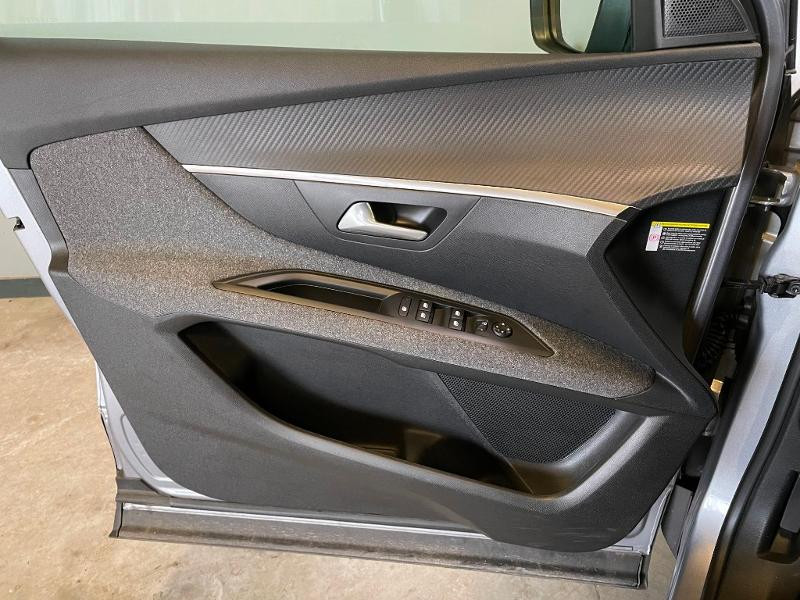 Photo 17 de l'offre de PEUGEOT 3008 1.6 BlueHDi 120ch Active Business S&S à 15900€ chez Dugast automobiles