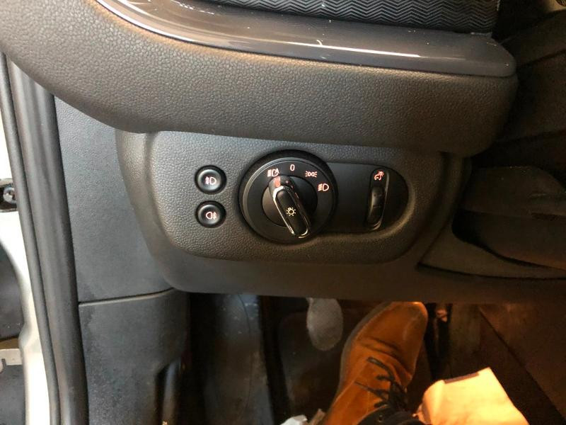 Photo 18 de l'offre de MINI Clubman Cooper D 150ch Exquisite à 17900€ chez Dugast automobiles