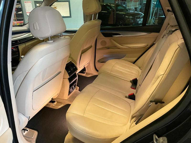 Photo 12 de l'offre de BMW X5 xDrive40dA 313ch xLine à 27900€ chez Dugast automobiles