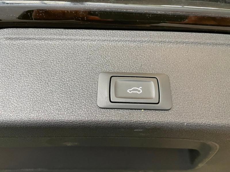 Photo 10 de l'offre de AUDI A4 Avant 40 TDI 190ch Business line quattro S tronic 7 Euro6d-T à 27900€ chez Dugast automobiles