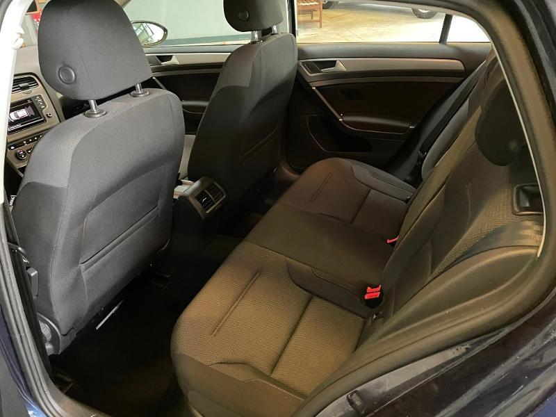 Photo 10 de l'offre de VOLKSWAGEN Golf 1.6 TDI 110ch BlueMotion FAP Confortline Business 5p à 12900€ chez Dugast automobiles