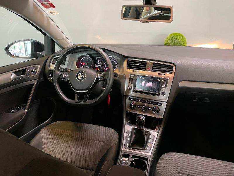 Photo 8 de l'offre de VOLKSWAGEN Golf 1.6 TDI 110ch BlueMotion FAP Confortline Business 5p à 12900€ chez Dugast automobiles