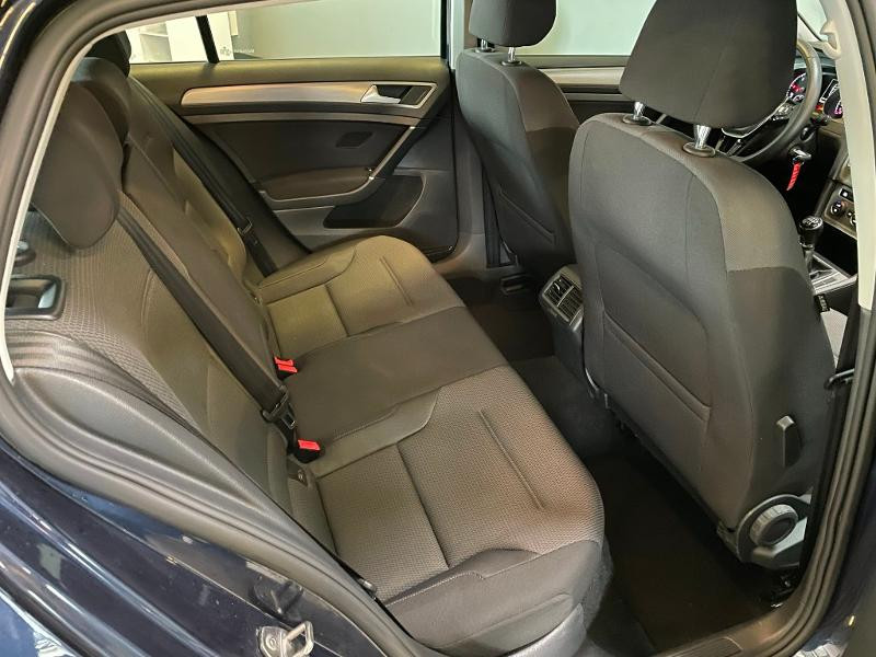 Photo 7 de l'offre de VOLKSWAGEN Golf 1.6 TDI 110ch BlueMotion FAP Confortline Business 5p à 12900€ chez Dugast automobiles