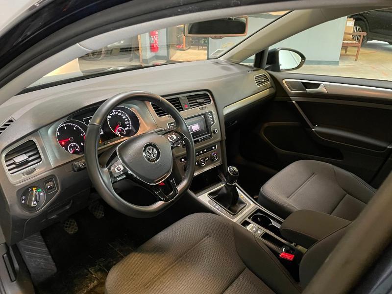 Photo 12 de l'offre de VOLKSWAGEN Golf 1.6 TDI 110ch BlueMotion FAP Confortline Business 5p à 12900€ chez Dugast automobiles