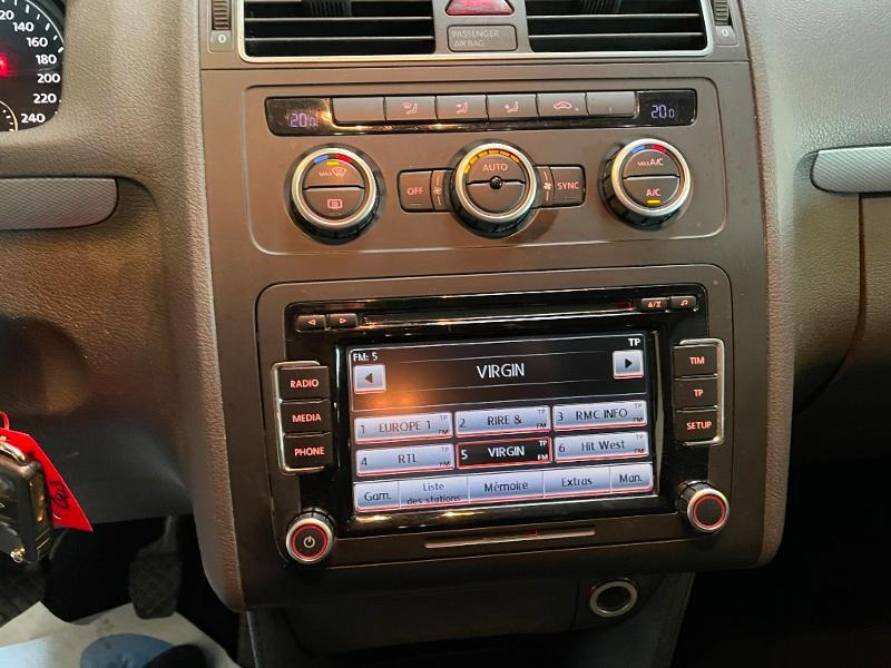 Photo 11 de l'offre de VOLKSWAGEN Touran 1.6 TDI 105ch BlueMotion Technology FAP Life à 9900€ chez Dugast automobiles
